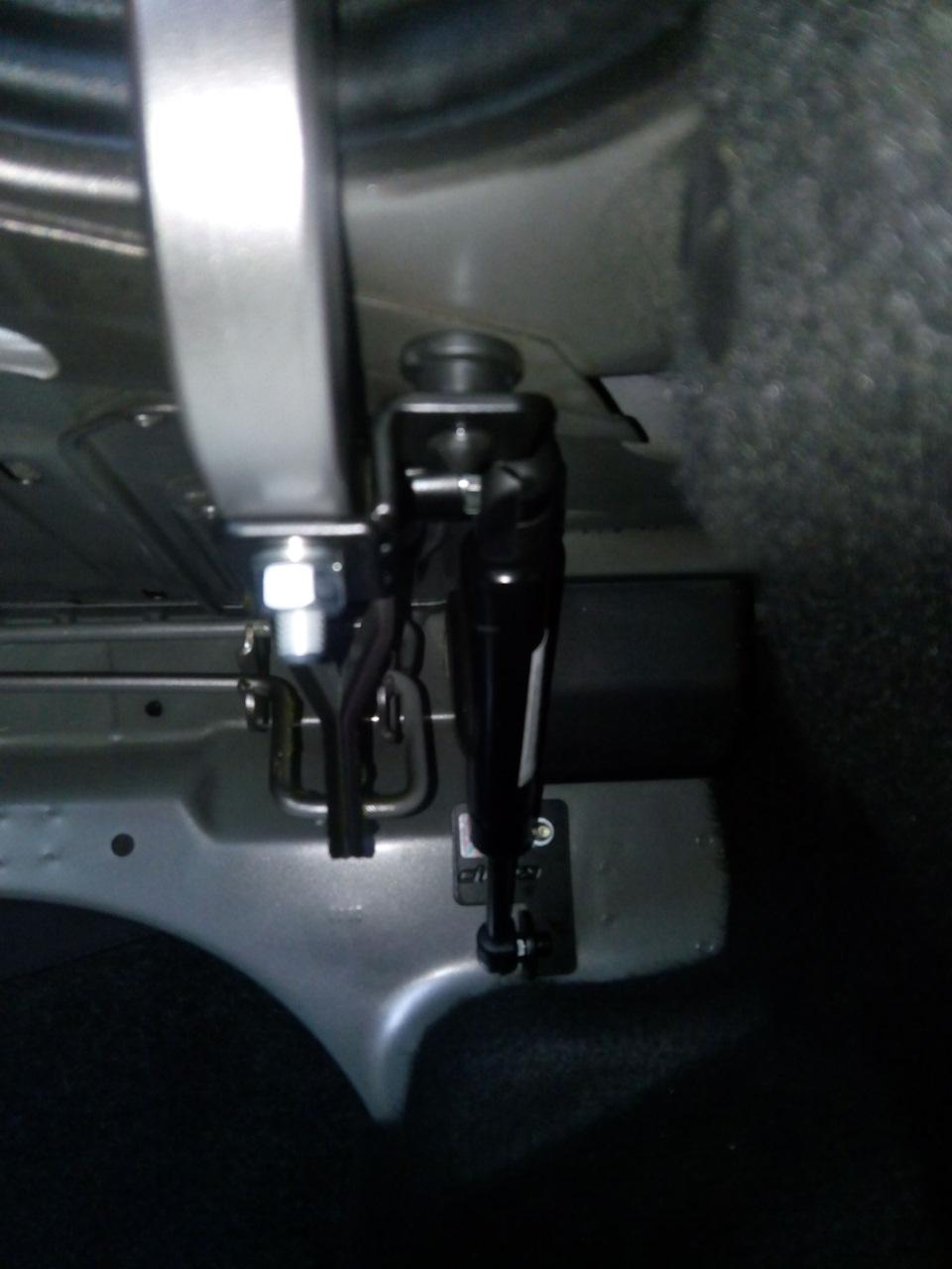 aae876s 960 Самостоятельная установка газовых упоров на крышку багажника Датсун он До