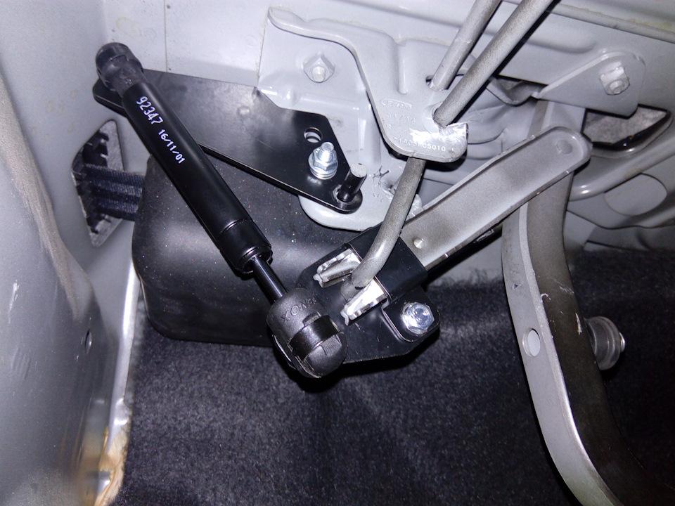 bb034fes 960 Самостоятельная установка газовых упоров на крышку багажника Датсун он До